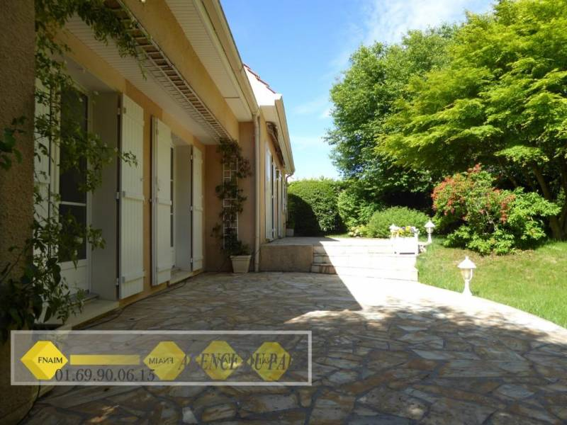 Vente maison mennecy ref 1472 for Garage ormoy 91540